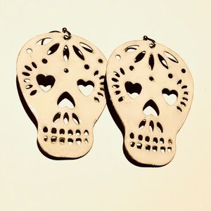 ModCloth Too Close To Skull/Play It Skull Earrings